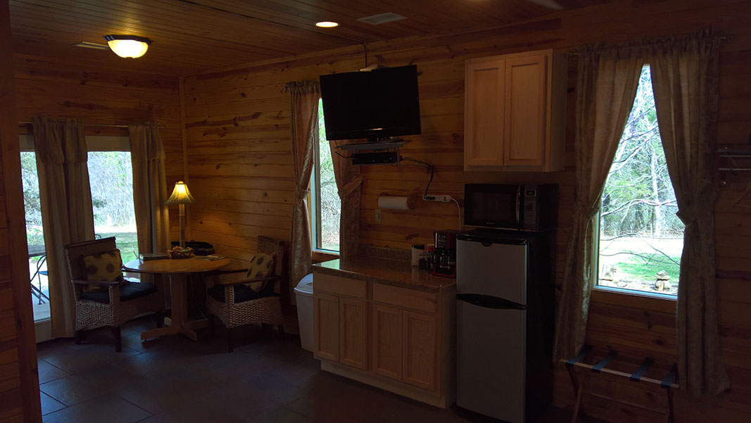 Sugar Suite Cabin 1 Kitchenette and Dining